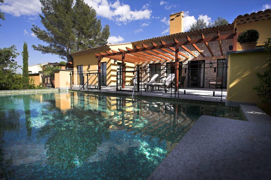 villa-terre-blanche-piscine-hotel-1140x759 TERRE BLANCHE HOTEL SPA GOLF RESORT*****