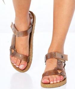 femme Cacatoès, les sandales parfumées au Bubble Gum