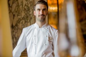 cp_le_meurice_a_la_maison_mars20213.003-300x200 Le menu duchef de l'hôtel Le Meurice Amaury Bouhours à emporter ou en livraison