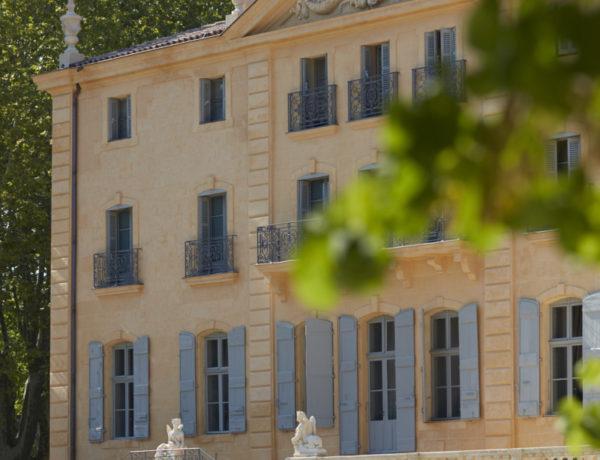 Fonscolombe-fac╠oade-006-600x460 Les Châteaux : nouvelle destination nature