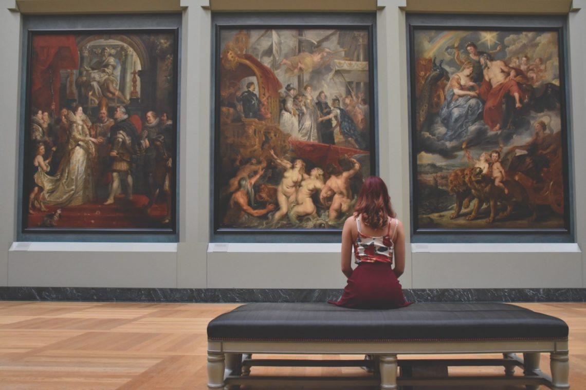 woman-1283009_1920-1140x760 Notre sélection pour la réouverture des expositions