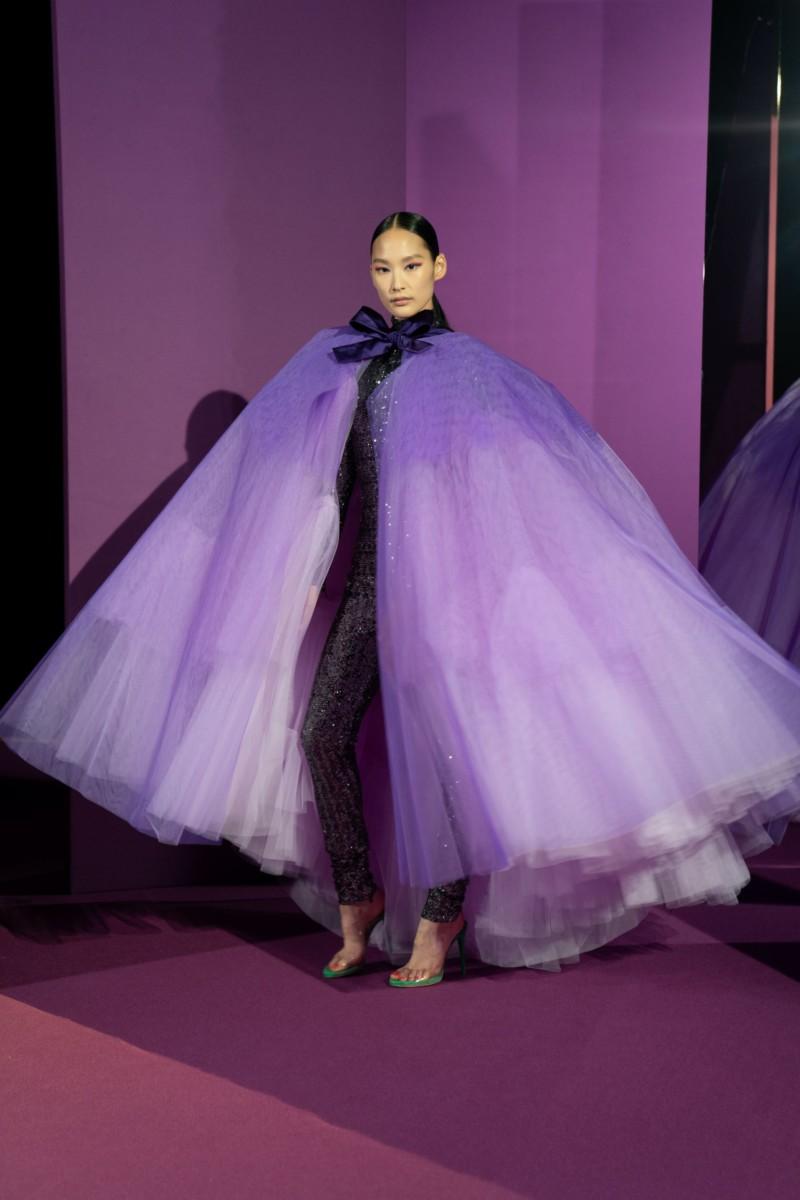 "LOOK19 Alexis Mabille : collection ""Femme-Fleur"""