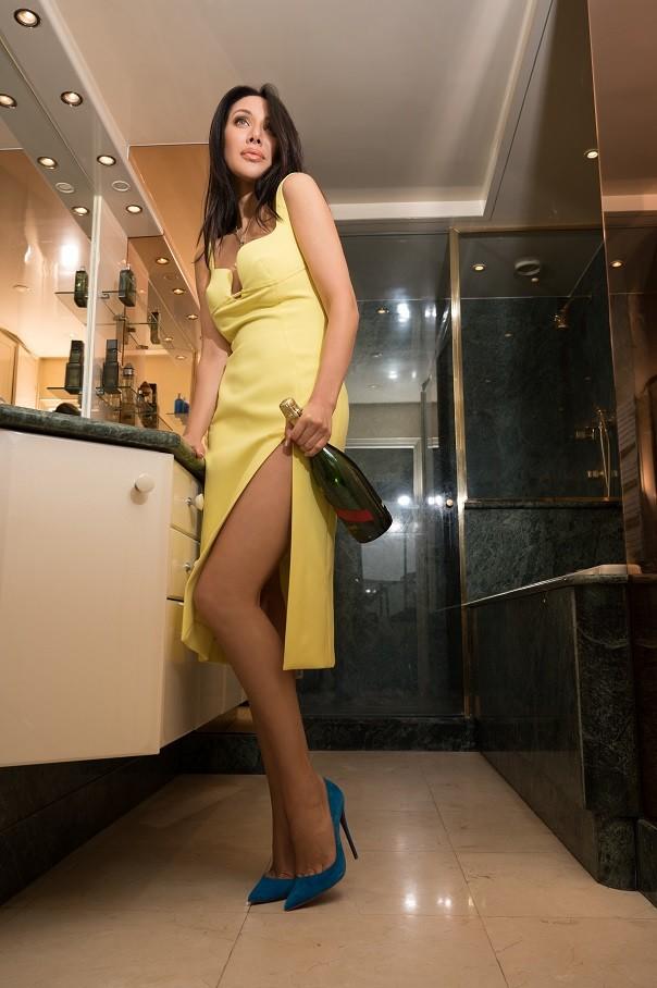 08.Glamorous Fashion Edito